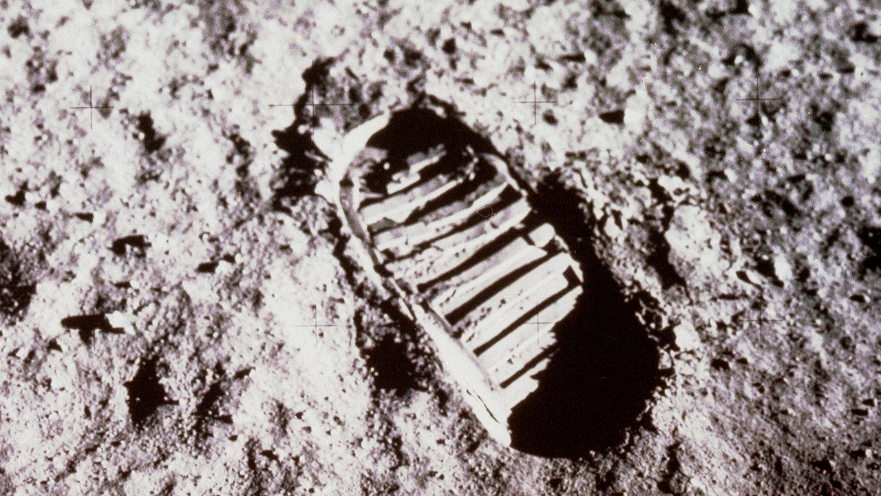 Picture of footprint in lunar dust.