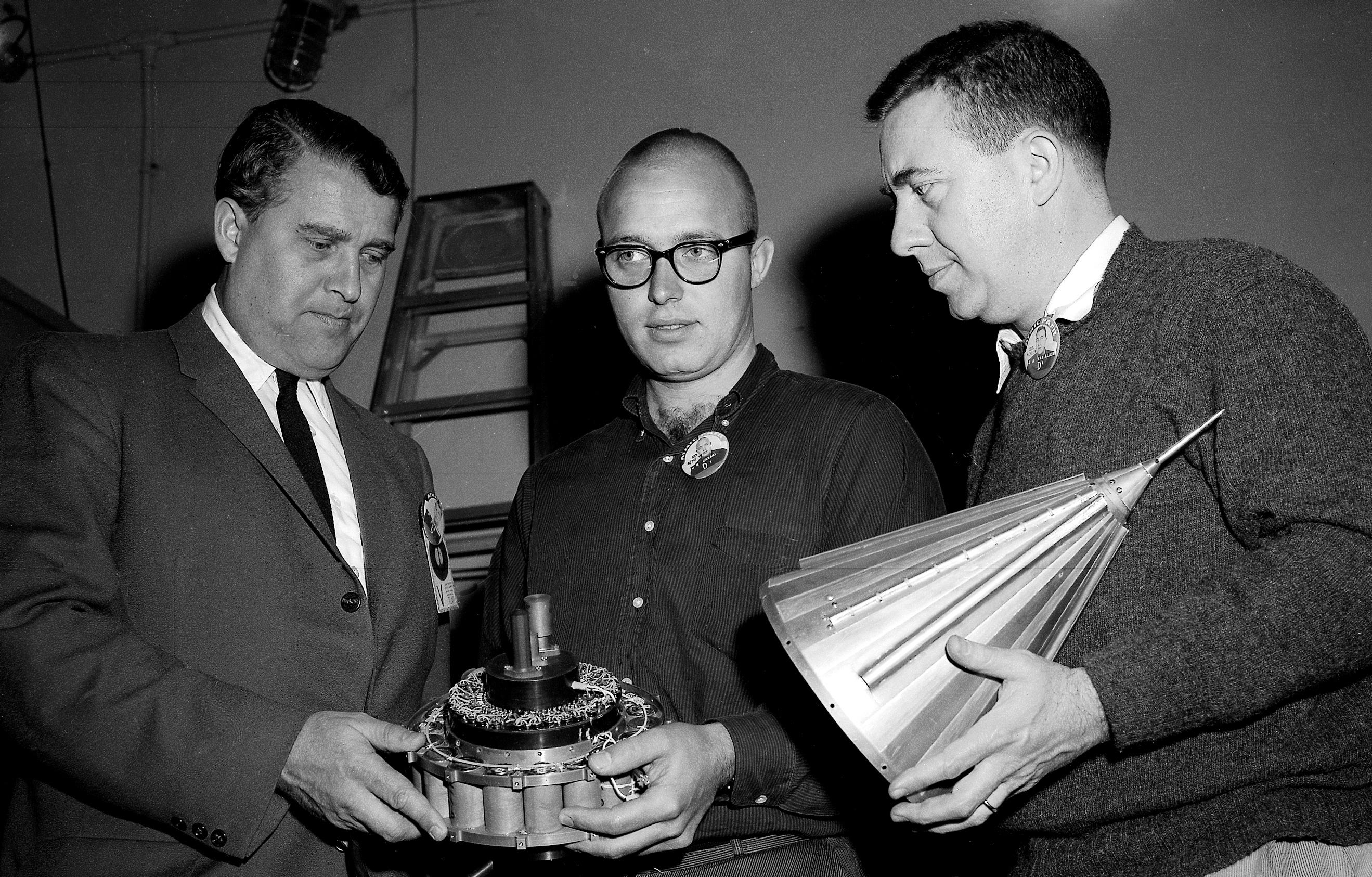 Pioneers And Pioneer Iv Moon Nasa Science