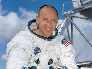 Alan Bean, Apollo Moonwalker and Artist, Dies at 86