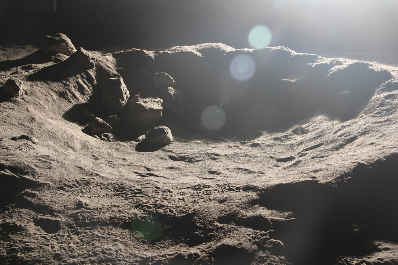 Color image of simulated Moon crater.