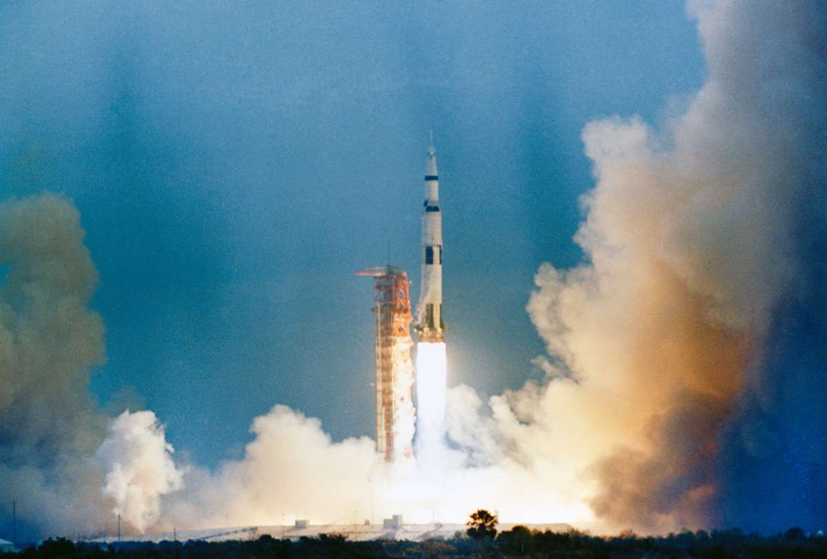 Launch of Apollo 9 space vehicle