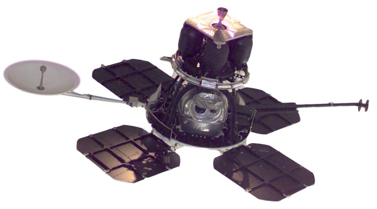 Image of Lunar Orbiter 1 spacecraft